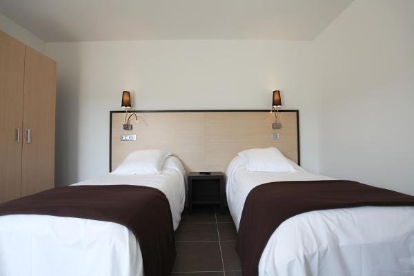 Hotel Pictures: Hôtel Restaurant les Pielettes, Le Rove
