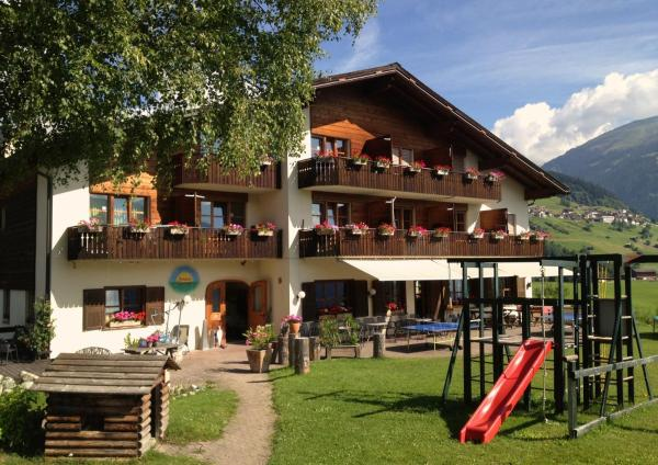 Hotel Pictures: , Waltensburg