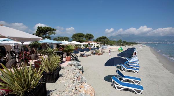 Hotel Pictures: Hôtel Pineto, Biguglia