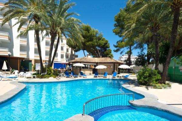 Hotel Pictures: HSM Lago Park Apartments, Playa de Muro