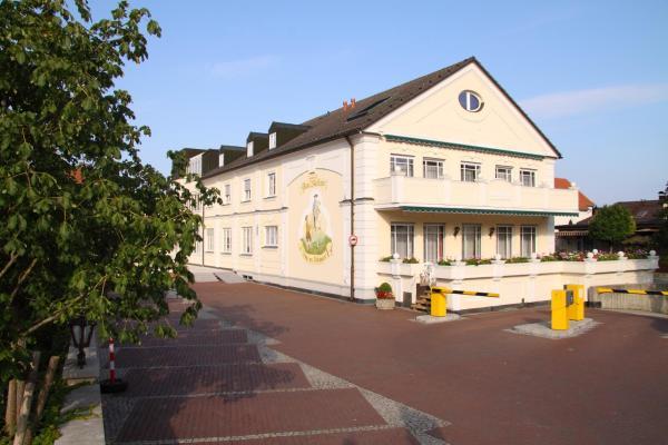 Hotel Pictures: Hotel am Schlosspark Zum Kurfürst, Oberschleißheim
