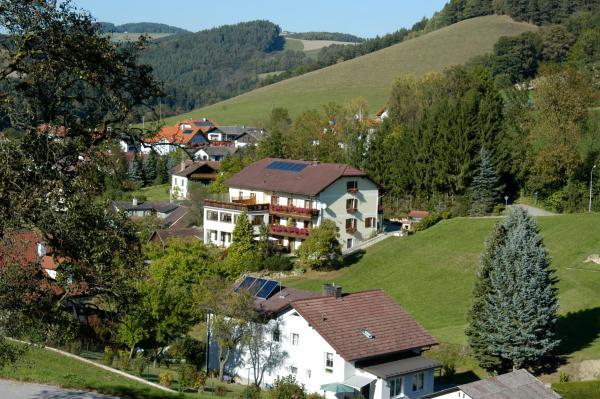 Hotellikuvia: Genießerpension Dopler - Zur schönen Au, Bad Schönau