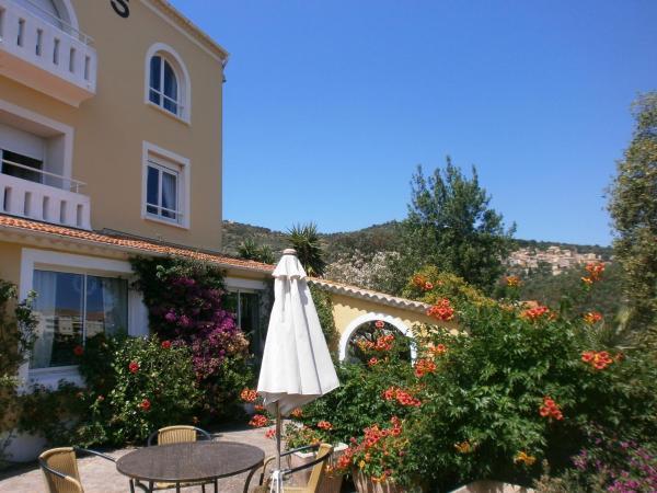 Hotel Pictures: Hôtel Paradis, Bormes-les-Mimosas