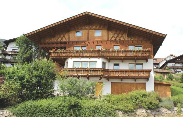 Hotel Pictures: Appartementhaus Untere Tanne, Lermoos