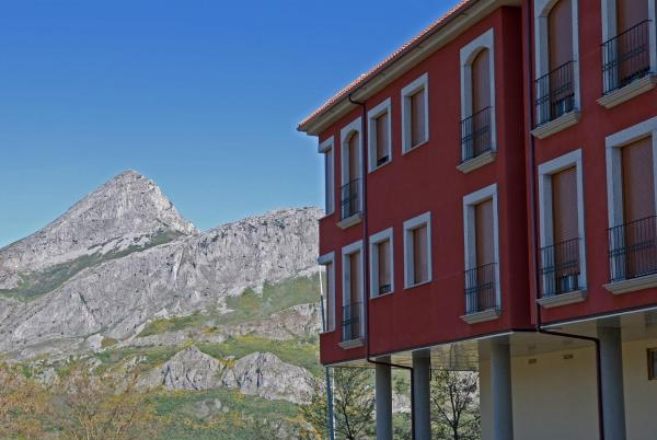 Hotel Pictures: Apartamentos Pico Llerenes, Riaño