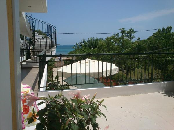 Two-Bedroom Apartment - Split Level with Sea View