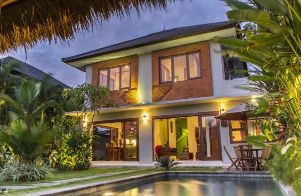 Bromo Three-Bedroom Villa with Private Pool