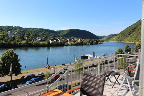 Hotel Pictures: Ferienwohnung Moselblick Brodenbach, Brodenbach