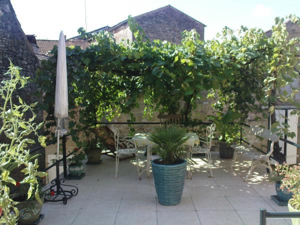 Hotel Pictures: La Terrasse De Montmartre, Saint-Cyprien