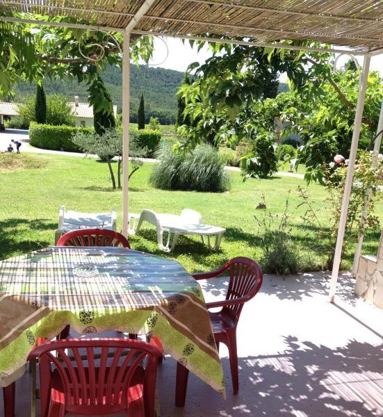 Hotel Pictures: Les Oliviers, Villecroze