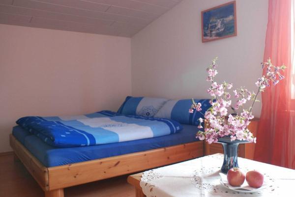 Hotel Pictures: Ferienwohnung Pferdezentrum Edersee, Waldeck