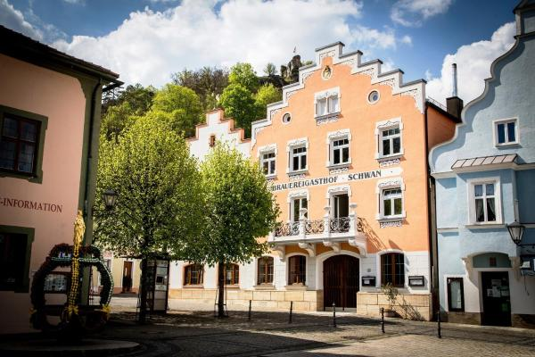 Hotel Pictures: Gasthaus Schwan, Riedenburg