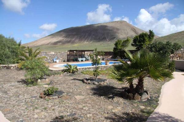 Hotel Pictures: Gaia IV, Femés