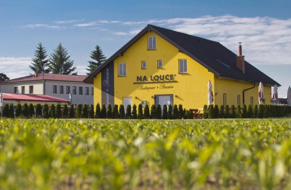 Hotel Pictures: Restaurace a penzion Na Louce, Nové Veselí
