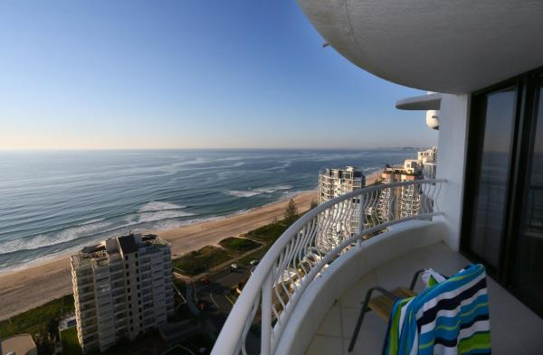 Hotel Pictures: Biarritz Apartments, Gold Coast