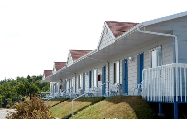 Hotel Pictures: Motel le Vacancier, Baie-Sainte-Catherine