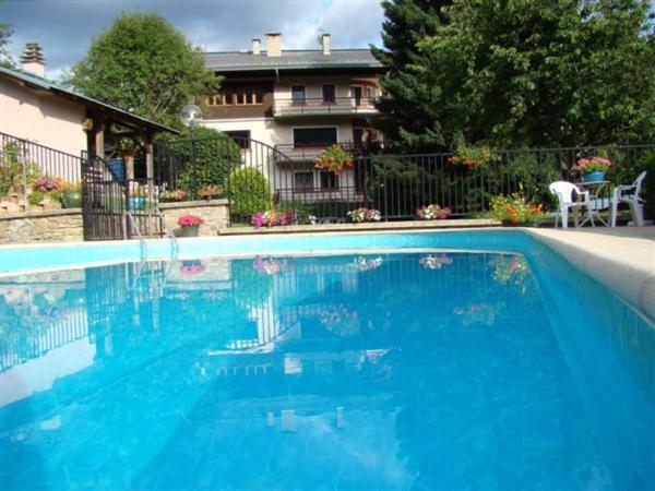 Hotel Pictures: Chalet Mon Idole, Flumet