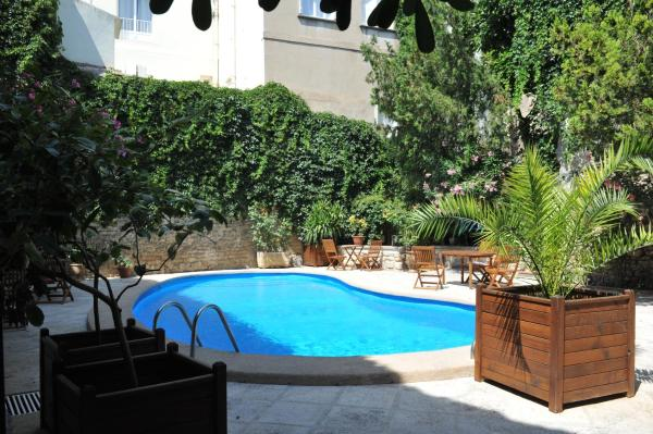 Hotel Pictures: Hotel Du Forum, Arles