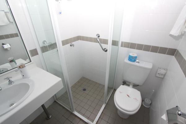 Standard Twin Room (1 - 3 Guests)