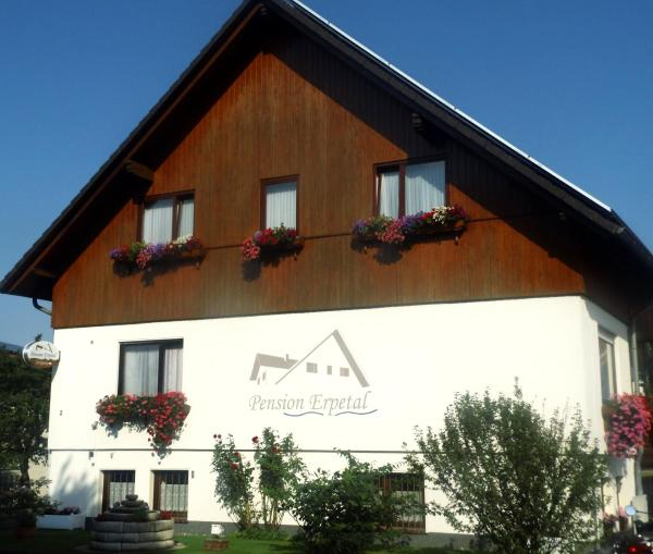 Hotel Pictures: Pension Erpetal, Zierenberg