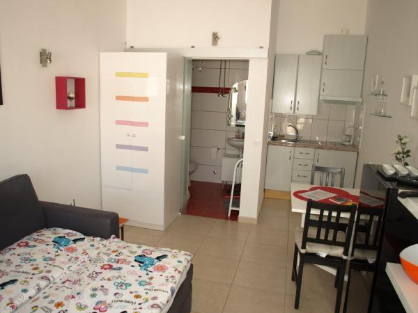 Hotel Pictures: Studio Lista, Arico el Nuevo