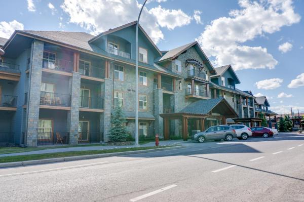 Hotel Pictures: Silver Creek Lodge, Canmore