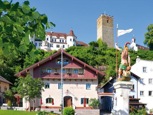 Hotel Pictures: Hofwirt - Hotel Gasthof, Neubeuern
