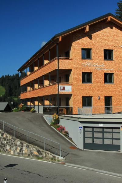 Foto Hotel: Hölderle Appartements Bertsch, Damuls