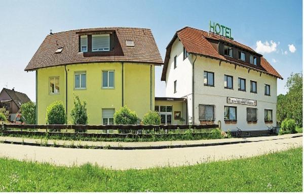 Hotel Pictures: Hotel zum Goldenen Wagen, Maulburg