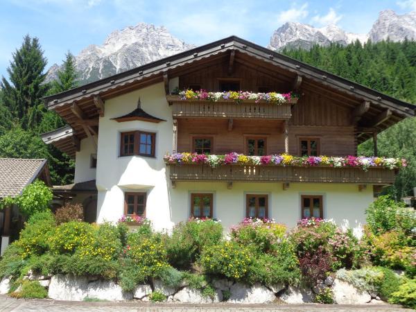 Hotel Pictures: Ferienhaus Niedermoser, Leogang