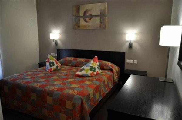 One Bedroom Suite (2 Adults + 1 Child )