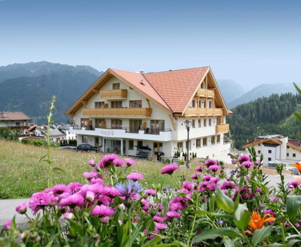 ホテル写真: Noldis Hotel, ザーファウス