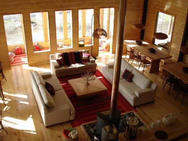 Hotel Pictures: Robinson Crusoe Deep Patagonia, Villa OHiggins