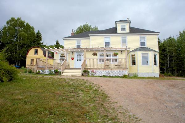 Hotel Pictures: The Maven Gypsy Bed and Breakfast, Birch Plain