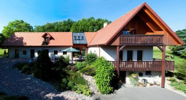Hotellikuvia: Hotel Garni Winzerhof Hödl, Wagna