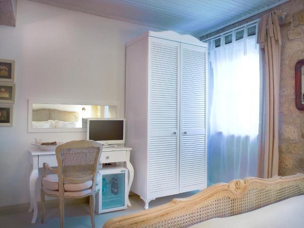 Double Room - Bay Window