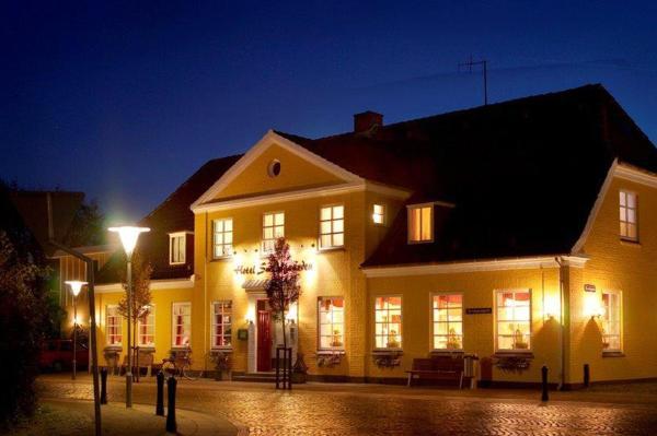 Hotel Pictures: Hotel Smedegaarden, Lem