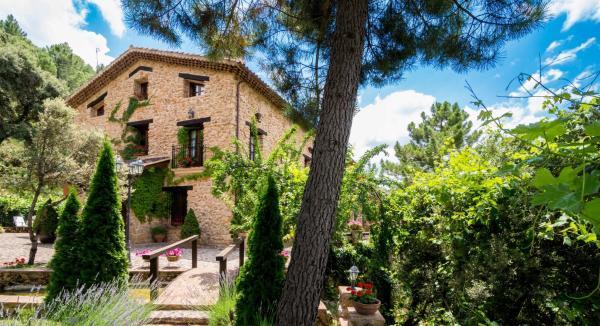 Hotel Pictures: Hotel de Montaña Cueva Ahumada, Villaverde de Guadalimar