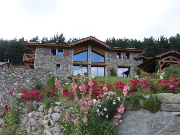 Hotel Pictures: Chalet du Soula, Formiguères
