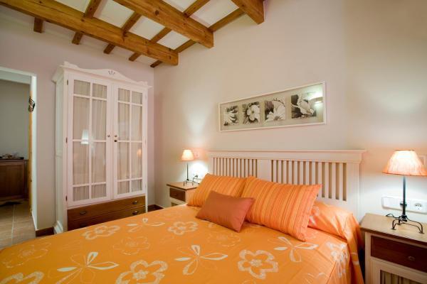 Hotel Pictures: Hotel Es Mercadal, Es Mercadal