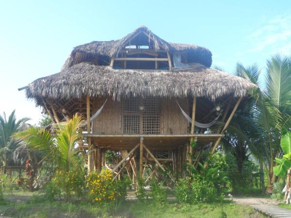 Hotel Pictures: Hosteria Las Lagunas, Mompiche