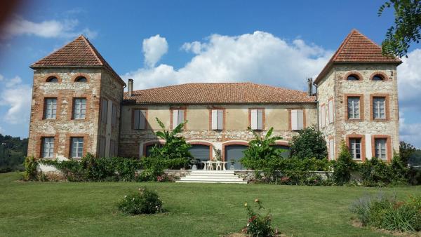 Hotel Pictures: Le Domaine du Lac, Saint-Nicolas-de-la-Grave