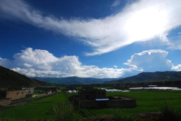 Hotel Pictures: October Daocheng Youth Hostel, Daocheng