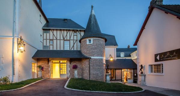 Hotel Pictures: , Cour-Cheverny