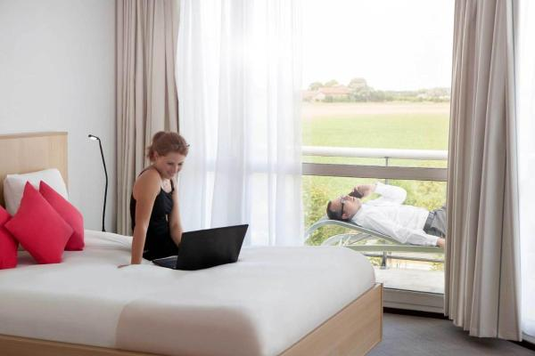 Hotel Pictures: Novotel Senart Golf De Greenparc, Saint-Pierre-du-Perray