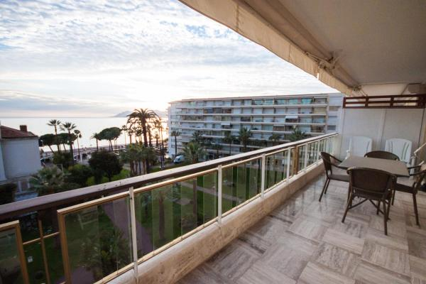 Standard One-Bedroom Apartment with Sea View