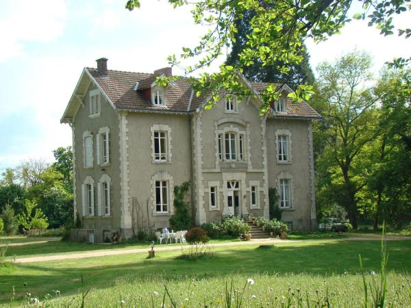 Hotel Pictures: Château la Perche, Buxières-sous-Montaigut