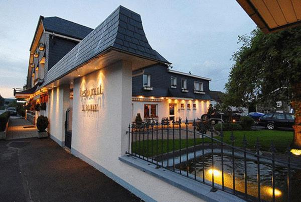 Hotel Pictures: Hostellerie Le Roannay, Francorchamps