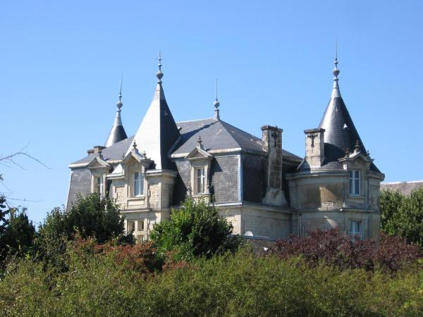 Hotel Pictures: Château D'Og, Fors