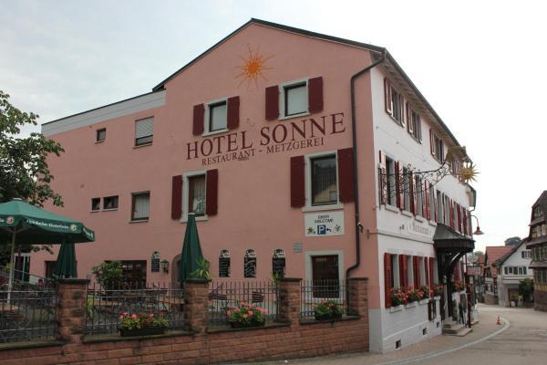 Hotel Pictures: Hotel - Restaurant - Metzgerei Sonne, Loffenau